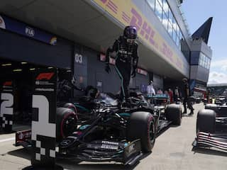 Mercedes Lewis Hamilton Grabs Pole Position At British Grand Prix