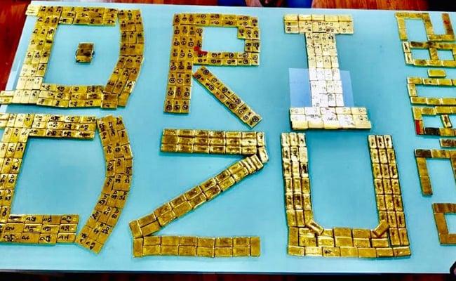 सीने पर बांधकर ले जा रहे थे 43 करोड़ रुपए के 504 सोने के बिस्कुट, पुलिस ने ऐसे धर दबोचा