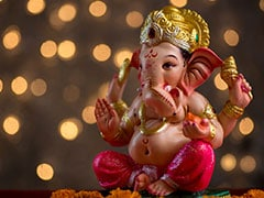 Ganesh Chaturthi 2020: COVID-19 Dampens Festive Spirit, Leaders Offer Prayers At Home