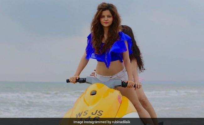 टीवी एक्ट्रेस Rubina Dilaik समुंदर में यूं इंज्वॉय करती दिखीं, Photo हुई वायरल