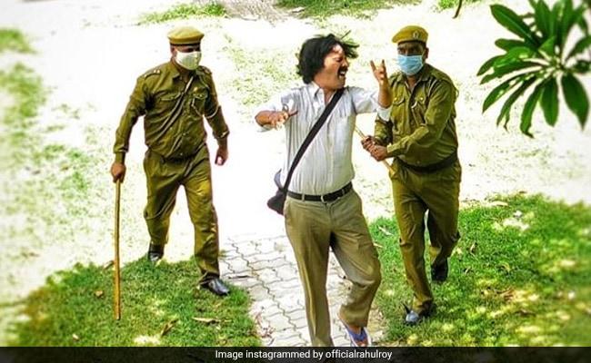 राहुल रॉय को 'पुलिसकर्मी' बेरहमी से पीटते आए नजर! जानें क्या है वजह- देखें Photo