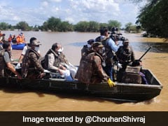 Madhya Pradesh Chief Minister Takes Stock Of Flood-Hit Hoshangabad In A Boat