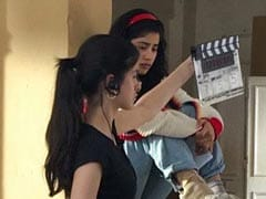"Pics: Janhvi Kapoor's Cousin Shanaya ""Learning The Ropes"" On <i>Gunjan Saxena</i> Set"