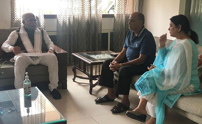 Sushant Singh Rajput's Father, Sister Meet Haryana Chief Minister, Assured Of 'Justice'