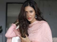 5 Stylish <i>Salwar Kameez</i> Suits To Get You Ethnic Ready