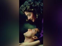 Madhuri Dixit Shares <i>Hum Aapke Hain Koun </i> Memory With Salman Khan As The Film Clocks 26 Years