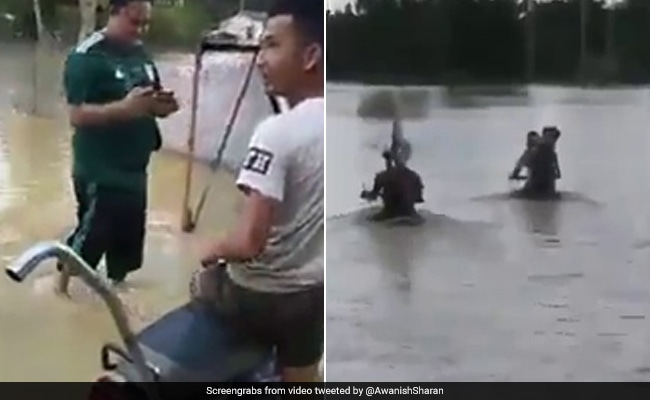 Motorcycle 'Jugaad' For Waterlogged Roads Impresses Twitter. Watch