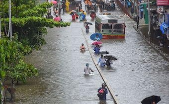 Heavy Rain, 70 Kmph Winds Buffet Mumbai, Locals Asked To Stay Home