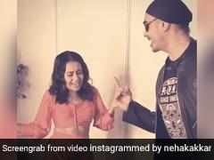 Neha Kakkar 'गल बन गई' सॉन्ग पर सुखबीर सिंह के साथ मस्ती में डांस करती आईं नजर, Video हुआ वायरल