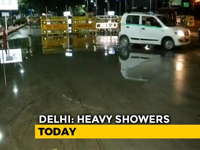 Video : Heavy Overnight Rain In Delhi, Waterlogging Reported In Several Areas