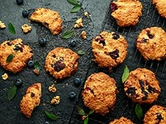 How To Make Healthy Walnut-Blueberry Oatmeal Bites For A Quick Dose Of Energy