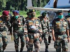 सेना प्रमुख मनोज मुकुंद नरवणे ने तेजपुर और लखनऊ का किया दौरा