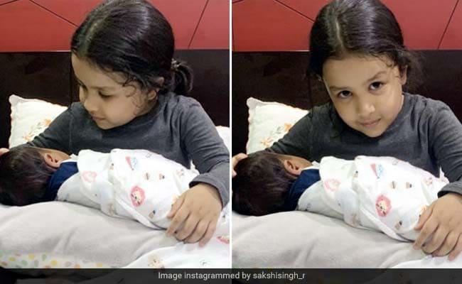 MS Dhoni की बेटी की गोद में दिखा बच्चा, फोटो हुई पोस्ट तो हैरान रह गए फैन्स, बोले - दूसरा बच्चा?