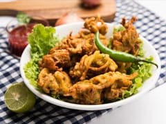 These Delicious Hari Mirch Pakodas Are All You Need This Monsoon (Recipe Inside)