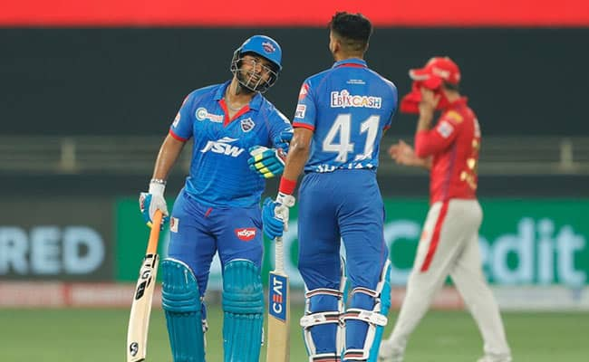 Nehara says thats why Rishabh is the right person to replace MS Dhoni in team India, but question is that...