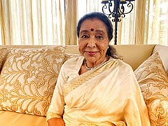 Asha Bhosle Is 87 Today But Feels 40. How Lata Mangeshkar Wished Her