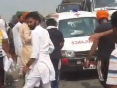 Farmers, Protesting New Agri Bills, Allow Ambulances To Pass. See Videos