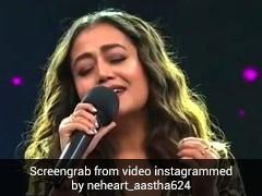 नेहा कक्कड़ स्टेज पर गा रही थीं 'माही वे' सॉन्ग, तभी अचानक चिल्लाने लगीं भारती सिंह- देखें Video