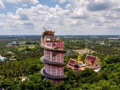 Thai Temples Get Quirkier For Tourists With Dragons And Dungeons