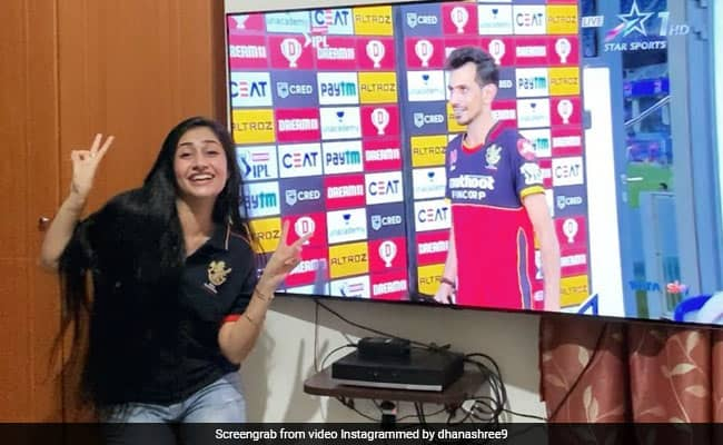 IPL 2020, SRH vs RCB: Thats how fiancée Dhanashree Verma celebrated Yuzvendra Chahal MOM award in unique style