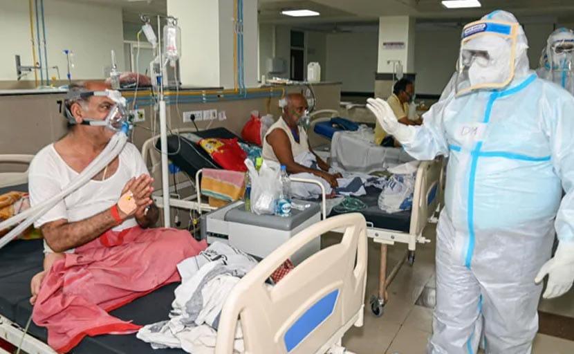 यूपी : कोरोना अस्पतालों में खाने-पीने तक की सुविधा नहीं, DM से बोले मरीज़ - हम भीख नहीं मांग रहे हैं