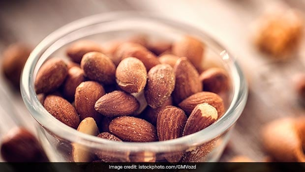 Try Roasted Almonds (<i>Badam</i>) For Healthy Snacking On Weight Loss Diet With These Sweet And Savoury Recipes