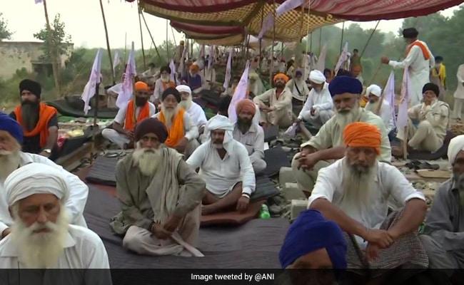 कृषि बिल के विरोध में सड़कों पर किसान : पंजाब में किसान यूनियन का 'रेल रोको' आंदोलन जारी