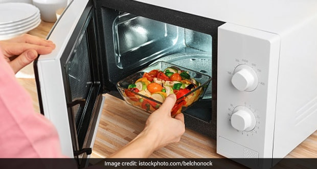 Expert Reveals: Do You Know To Cooked Food Safe Or Not In Microwave