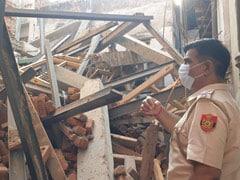 दिल्ली: हौज़काज़ी इलाके में गिरी दो मंजिला निर्माणाधीन बिल्डिंग, हादसे में कोई घायल नहीं