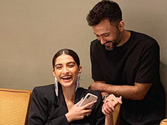 """Will You Be My Girlfriend?"" Asks Anand Ahuja In His Appreciation Post For Sonam. Her Reply"