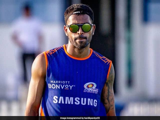 Hardik Pandya Says He Means Business With New Pic, KL Rahul Brutally Trolls Him