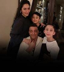 Sanjay Dutt Meets His Kids After Months. 'No Complaints,' Posts Maanayata