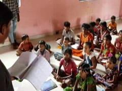 महामारी के दौर में शिक्षा से दूर हुए गांव के बच्चों के शिक्षक बन गए कॉलेज छात्र, स्कूल शुरू किया