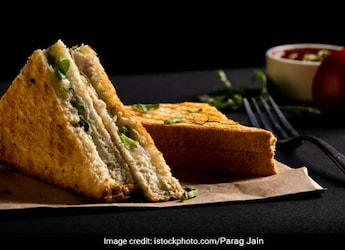 This 5-Minute Tawa Sandwich Will Satiate All Your Greasy, Creamy Cravings