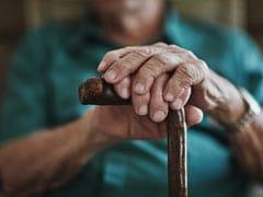 International Day Of Older Persons 2020: अंतरराष्ट्रीय वृद्ध दिवस की थीम के साथ जानें बुजुर्गों में होने वाली 8 सबसे आम बीमारियां!