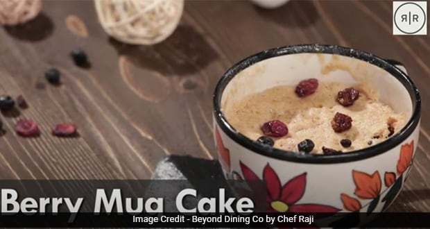 Watch: This 10-Minute Berry Mug Cake Is For All Those Sudden Sweet Cravings