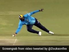 CPL 2020: 140 किलो के खिलाड़ी ने एक हाथ से लिया ज़बरदस्त कैच, देखता रह गया बल्लेबाज - देखें Video