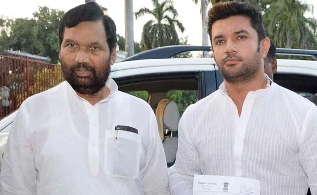 Ram Vilas Paswan Death News Pm Modi Tweets Tribute For Ram Vilas Paswan Lost A Friend Valued Colleague
