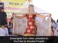 सपना चौधरी ने घूंघट ओढ़ स्टेज पर किया जोरदार डांस, देसी क्वीन का Video हुआ वायरल