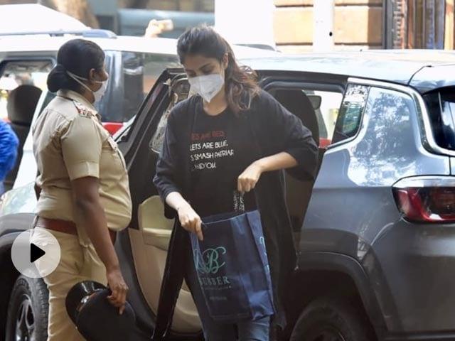 Sonam Kapoor ने रिया चक्रवर्ती की गिरफ्तारी के बाद लिखा- हर किसी को तब तक बहुत मजा आता है...