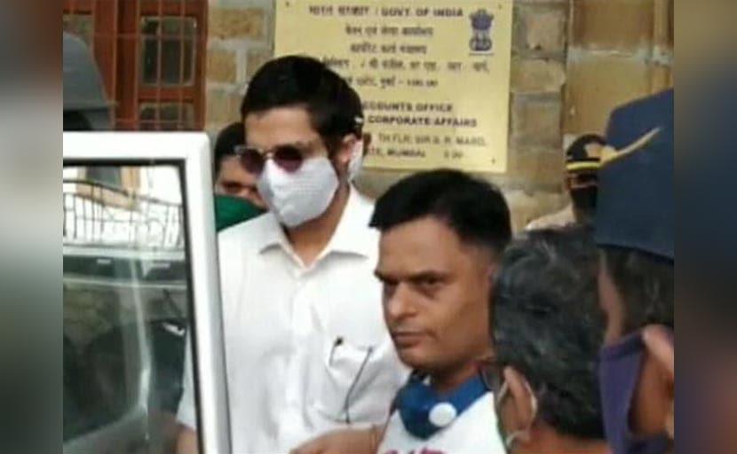 क्या करण जौहर हैं NCB के निशाने पर? गिरफ्तार क्षितिज प्रसाद ने कोर्ट के सामने कही ये बातें