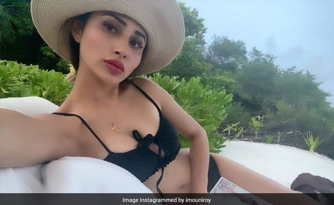 Mouni Roy Is Living A Dream In The Maldives And So Is Mandira Bedi. Pics Here