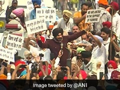 Navjot Singh Sidhu Joins Farmer Protest In Amritsar