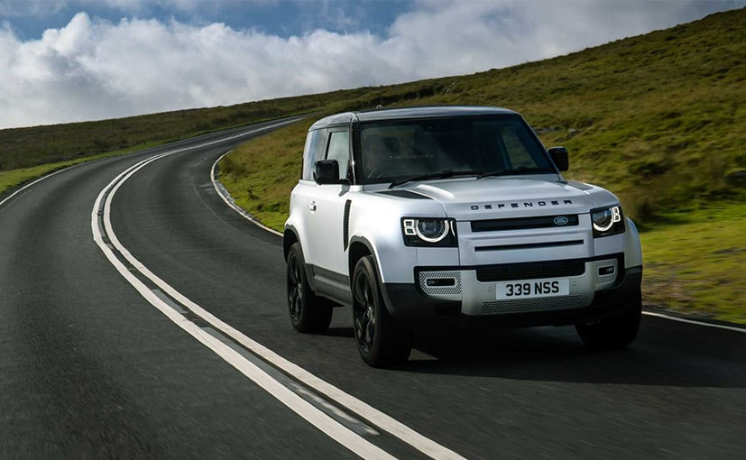 The new Land Rover Defender X-Dynamic has been positioned between the base and Dynamic trim.