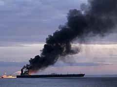 ऑयल टैंकर में भीषण आग से हिंद महासागर में तेल रिसाव का खतरा बढ़ा