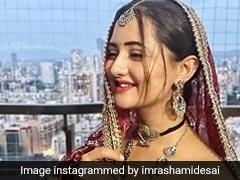 रश्मि देसाई ने साड़ी लुक में दिखाया 'महारानी' वाला अंदाज, खूब वायरल हो रही Photo