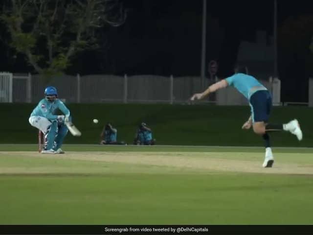 """Power Pant"": Fans React As Rishabh Pant Reverse Ramps Ishant Sharma. Watch"