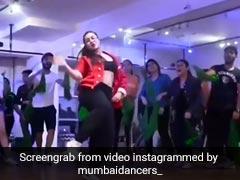 धनाश्री वर्मा ने रेड जैकेट में 'फर्स्ट क्लास' गाने पर किया धमाकेदार डांस, युजवेंद्र चहल की मंगेतर का Video वायरल
