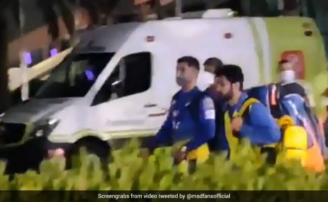 IPL 2020 video fans of UAE uncontrolled after seeing dhoni