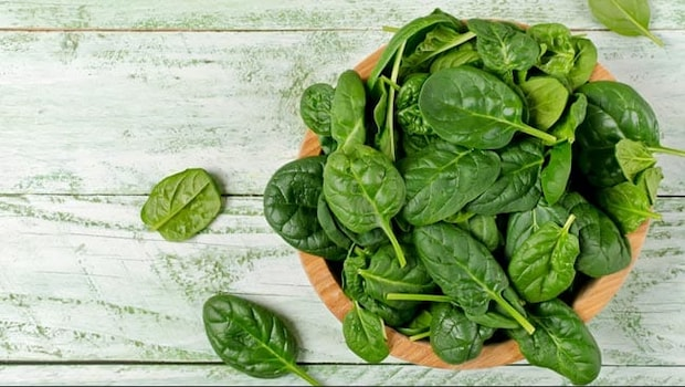 From Methi Malai Matar To Palak Egg Curry: 5 Yummy Dishes You Can Make With Green Vegetables
